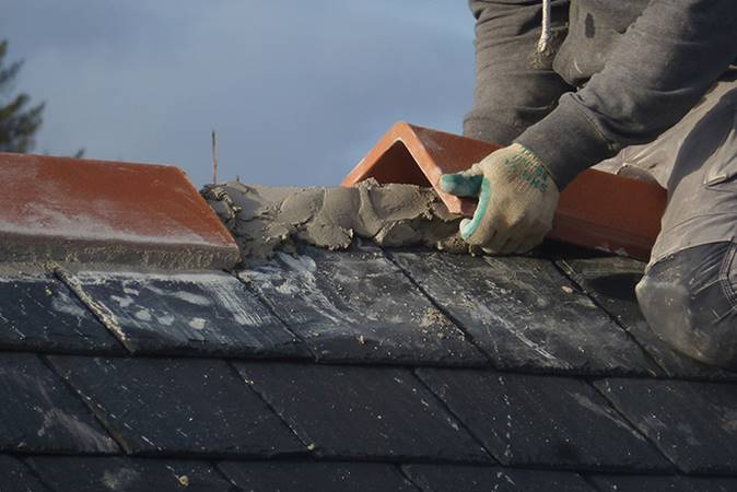 Get your gutters repaired for maintaining the roof of your house